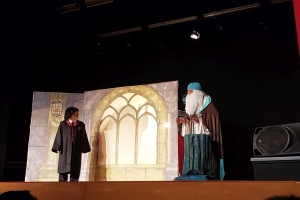 "Teatre en anglès ""School of Magic"""